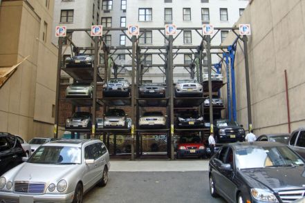 1024px-Multi-level_stack_parking_NYC_07_2010_9583